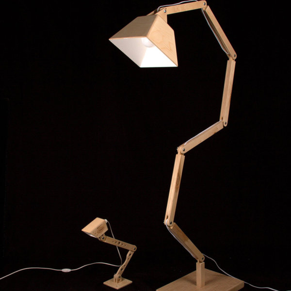 Wooden floor lamp DL022
